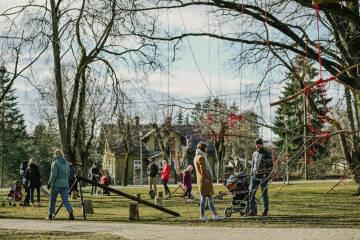 Ieskaties, kā Lieldienas atzīmēja Siguldā foto no šūpolēm! (+FOTO)
