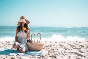 Aptauja: Tikai katrs otrais pludmalē lieto saules aizsargkrēmu!